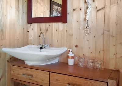 tipi-bathroom